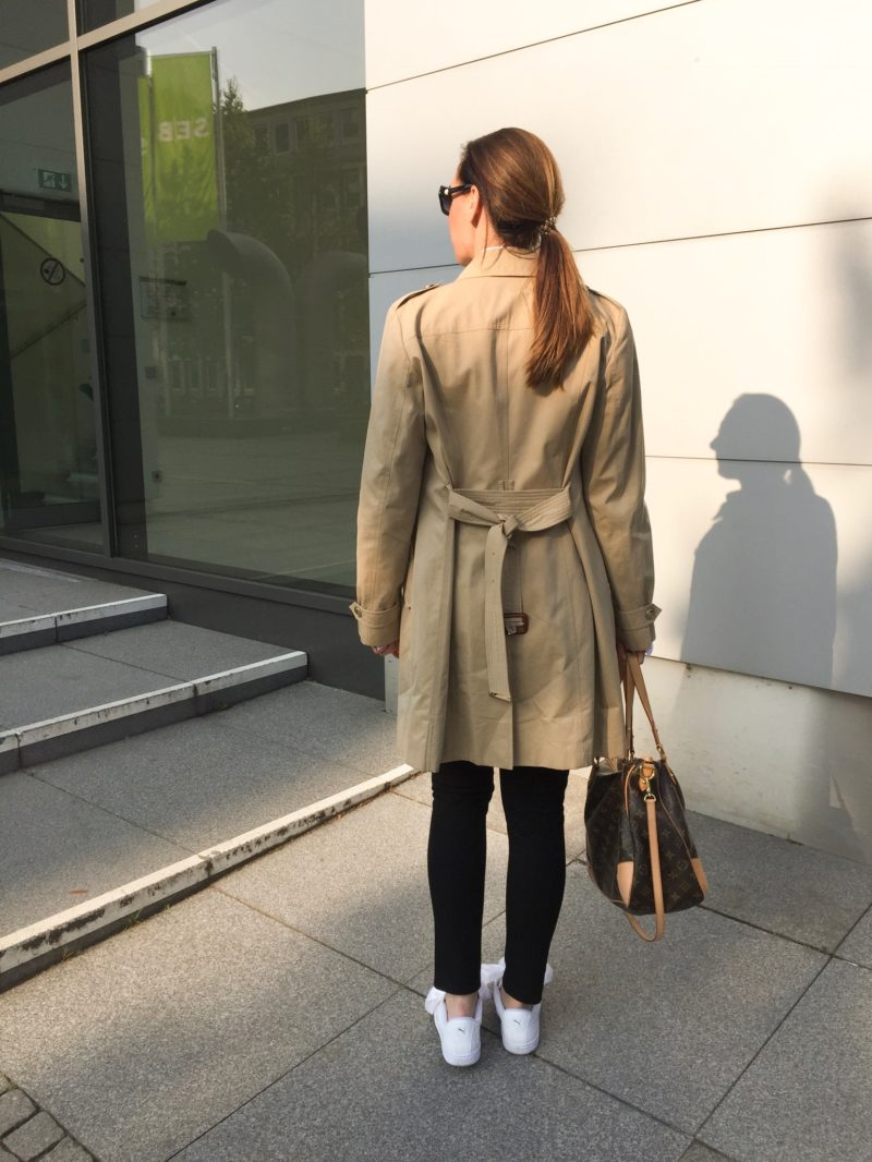 lifestyle-tale-fashion-trench-coat