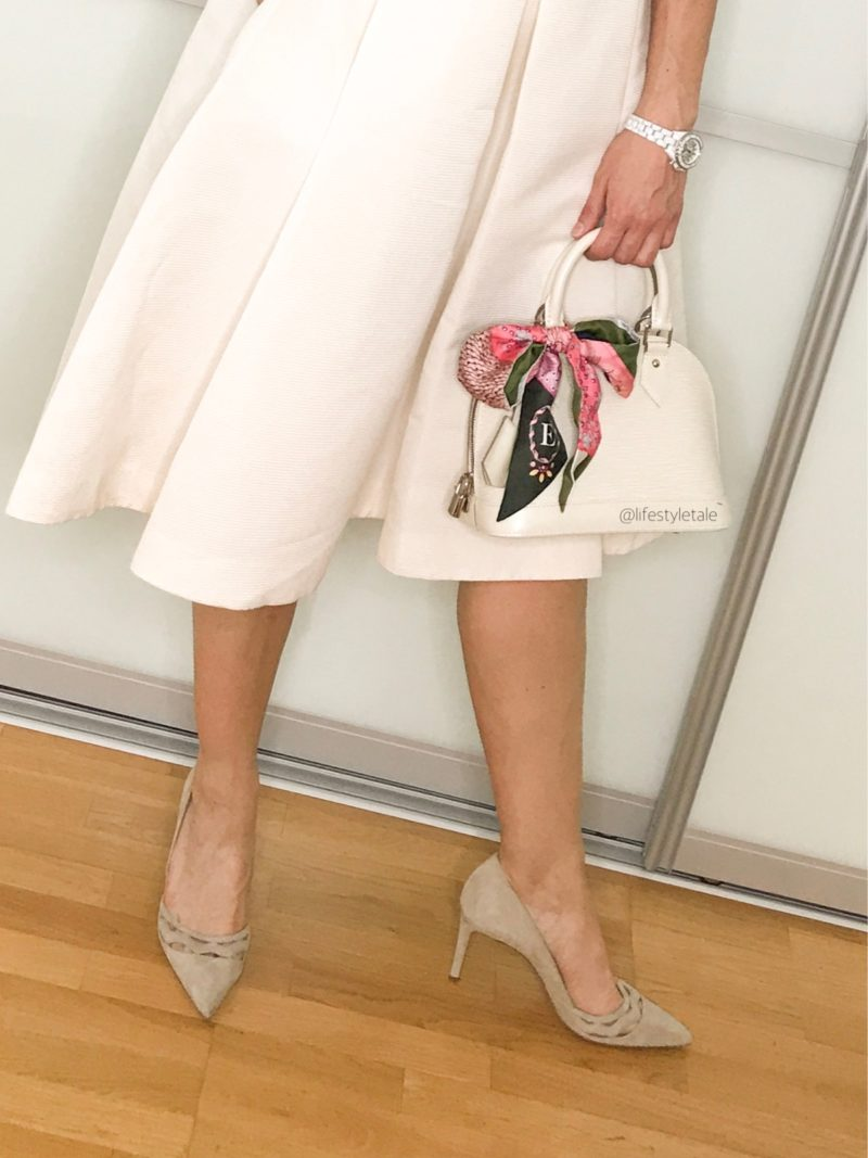 Beige top and skirt: summer business looks