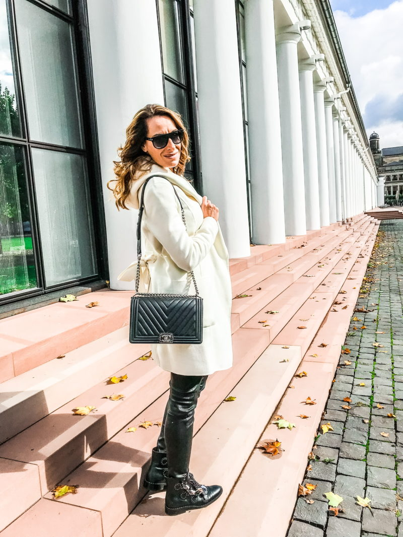 Cozy autumn outfit in wiesbaden